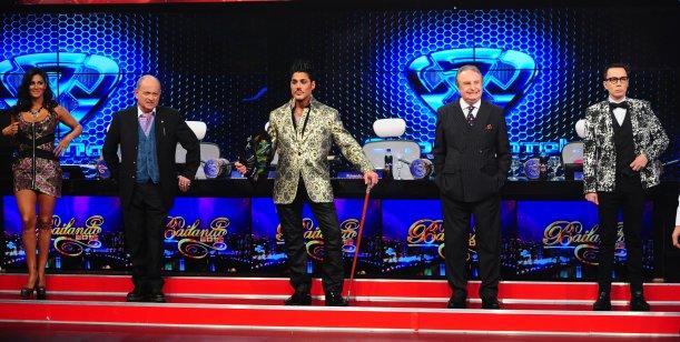 Showmatch estrenó jurados: Santiago Bal y Chiche Gelblung se subieron al escándalo