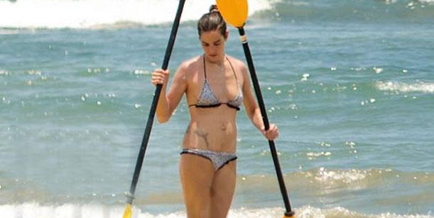 Juanita ¿en crisis? descansa en Miami y se encontró en la playa con Evelyn