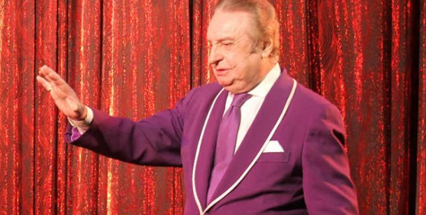 Santiago Bal lejos de Carmen hará revista con Cherutti en Carlos Paz