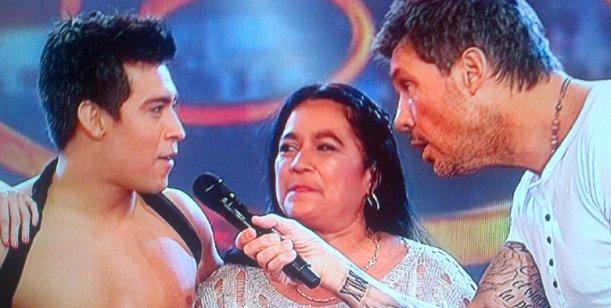 Presentación en sociedad entre la madre de Moliniers y su yerno Hugo Avila