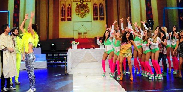 La noche de Peter y Paula: Se casaron en vivo y bailaron el Gangnam Style