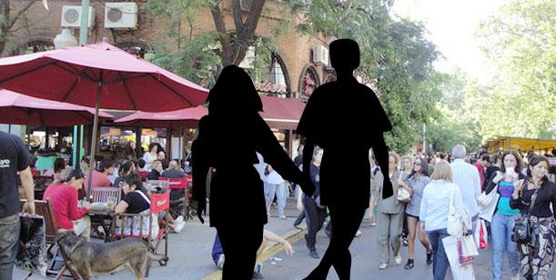 Una actriz, un actor y un romance oculto por las calles de Palermo