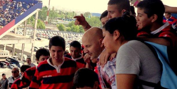 Marcelo Tinelli y Alexander Caniggia en la cancha juntos viendo a San Lorenzo