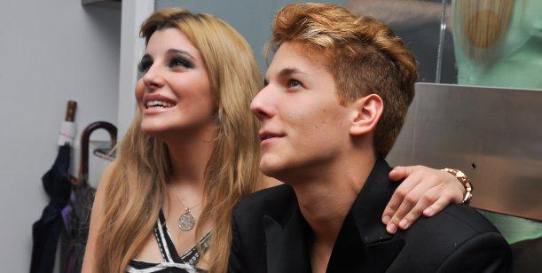 Charlotte y Alexander Caniggia despidieron el año junto a sus compañeros de teatro