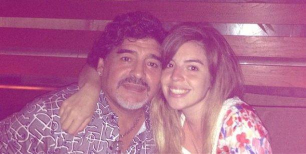 Dalma Maradona habría viajado a Dubai para pasar la Navidad con Diego