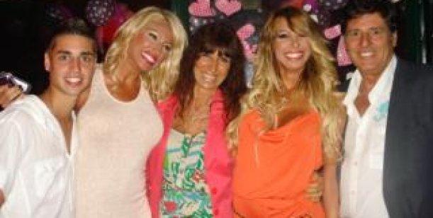 Carmen y Moria le festejaron el cumpleaños a Victoria Xipolitakis