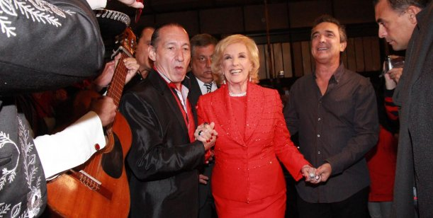 Mirtha Legrand sigue yendo al teatro: fue a ver la obra de Nito Artaza