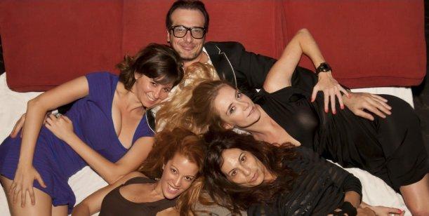 La sorpresa teatral de la calle Corrientes: Algunas mujeres a las que les c... la vida