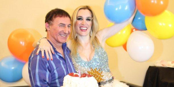 Después del video hot, Fátima Florez festejó su cumpleaños en el escenario
