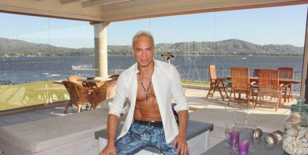 Flavio Mendoza: Me amenazan con mostrar una foto de mi actual novio