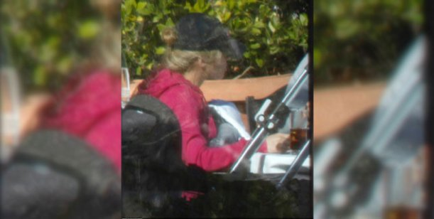 Shakira y Piqué se ocultan para pasear con su hijo en Barcelona