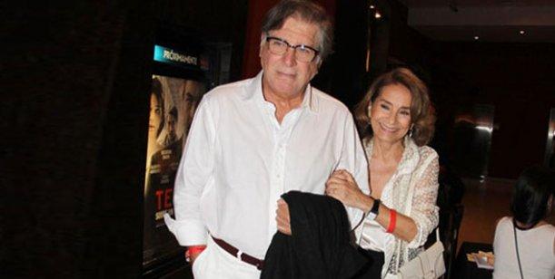 Arturo Puig debuta en el teatro y Selva Aleman es su admiradora número uno