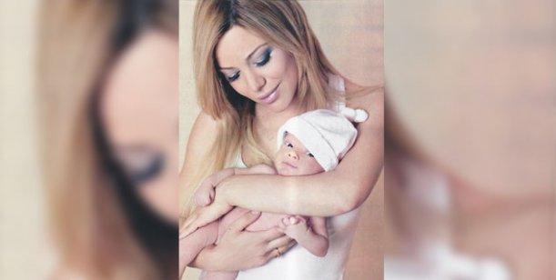 Eva Anderson presentó a Lola: Todavía no podría independizarme de mi bebé