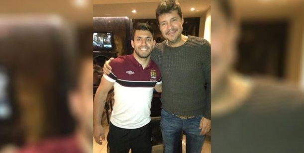 Mientras la prensa habla de ellos, Tinelli y Agüero se muestran juntos en Inglaterra