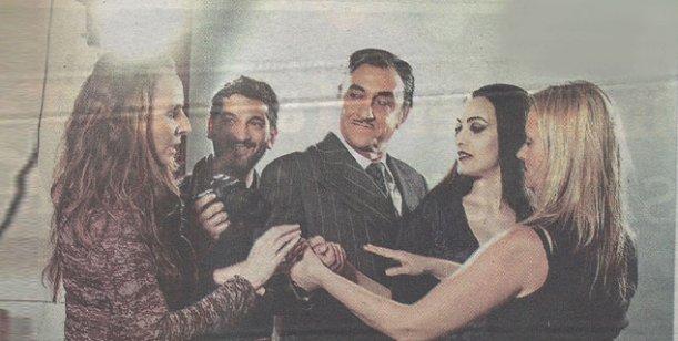 La primera foto de Julieta Díaz y Puma Goity como Morticia y Homero Addams