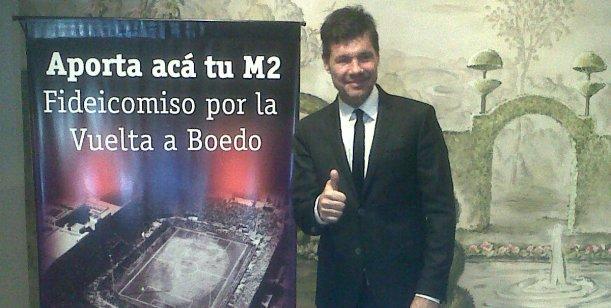 Lejos de la televisión, Tinelli apareció en público para apoyar a San Lorenzo