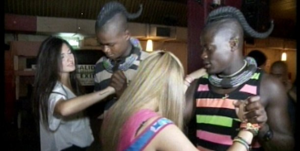 Perdidos en la ciudad: la tribu Himba aprendió a bailar tango