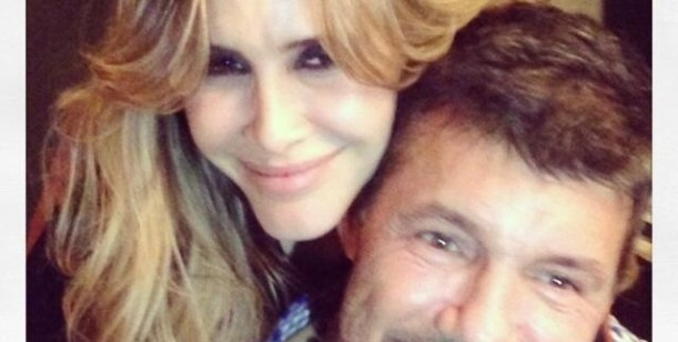 La foto íntima de  Tinelli y Valdés en la cena de cumpleaños de la novia del conductor