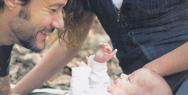 Padres babosos: Diego Torres y Débora Bello presentaron a Nina, su primera hija