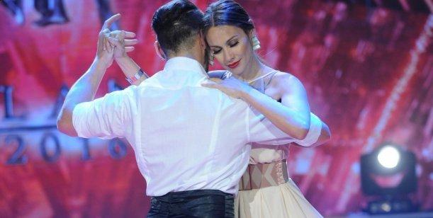 ¡Que vuelva al Bailando! Pampita improvisó un tango y sorprendió a todos